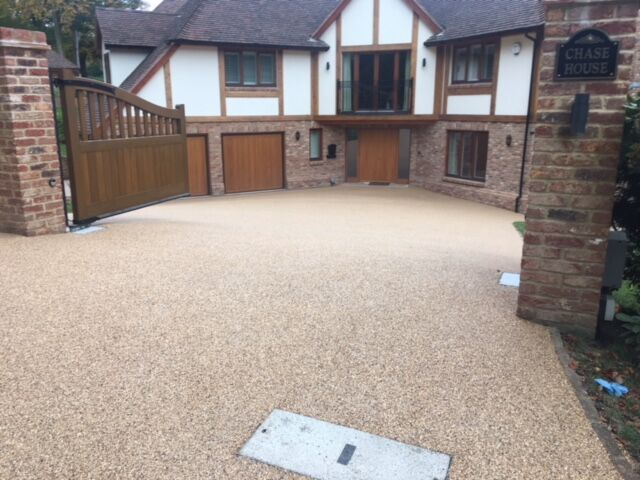 paving contractors installed driveways in warlingham
